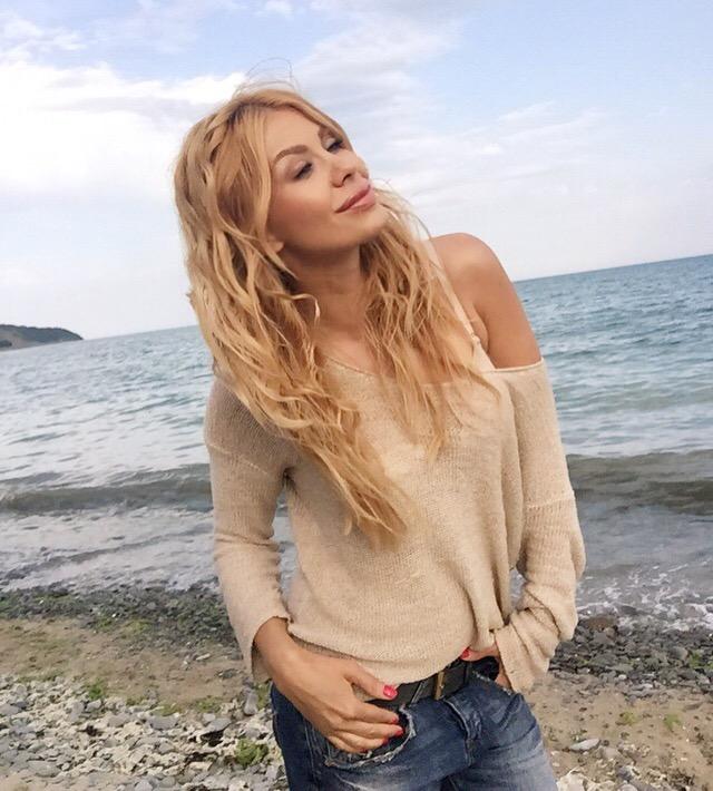 Джулия Ангелова